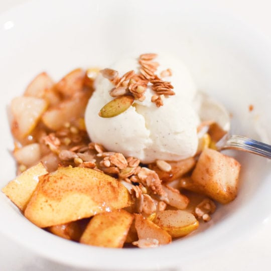 The easiest 5 minute dessert - Cinnamon Pears with Ice Cream and Buckwheat Granola #easydessert #holidayrecipes #pear #cinnamon