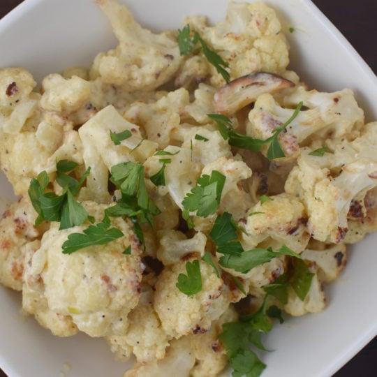 """Creamy and Light """"Mac & Cheese"""" Cauliflower #healthy #macandcheese #creamycauliflower #recipe #food"""