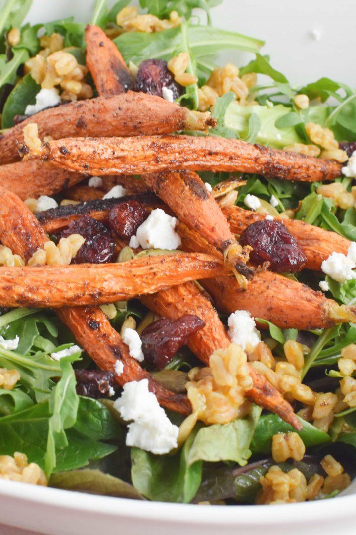 Healthy, Migraine Diet Farro and Arugula Salad with Moroccan Roasted Carrots #vegetarian #healthy #migrainediet #healyourheadache