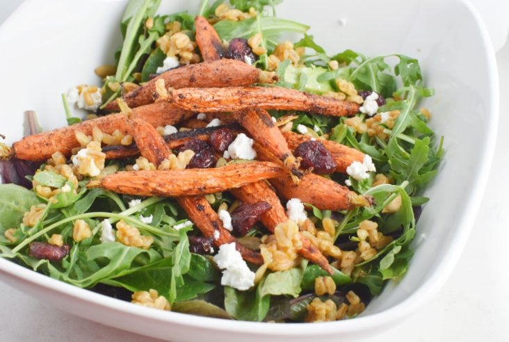 Healthy, Migraine Diet Farro and Arugula Salad with Moroccan Roasted Carrots #vegetarian #healthy #migrainediet #healyourheadache