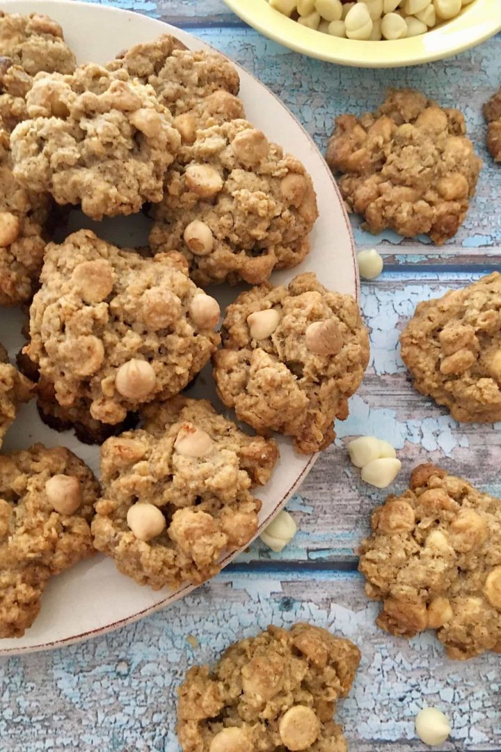 Gluten Free White Chocolate Chip Oatmeal Cookies | Migraine Diet | Heal Your Headache | Easy snacks and desserts