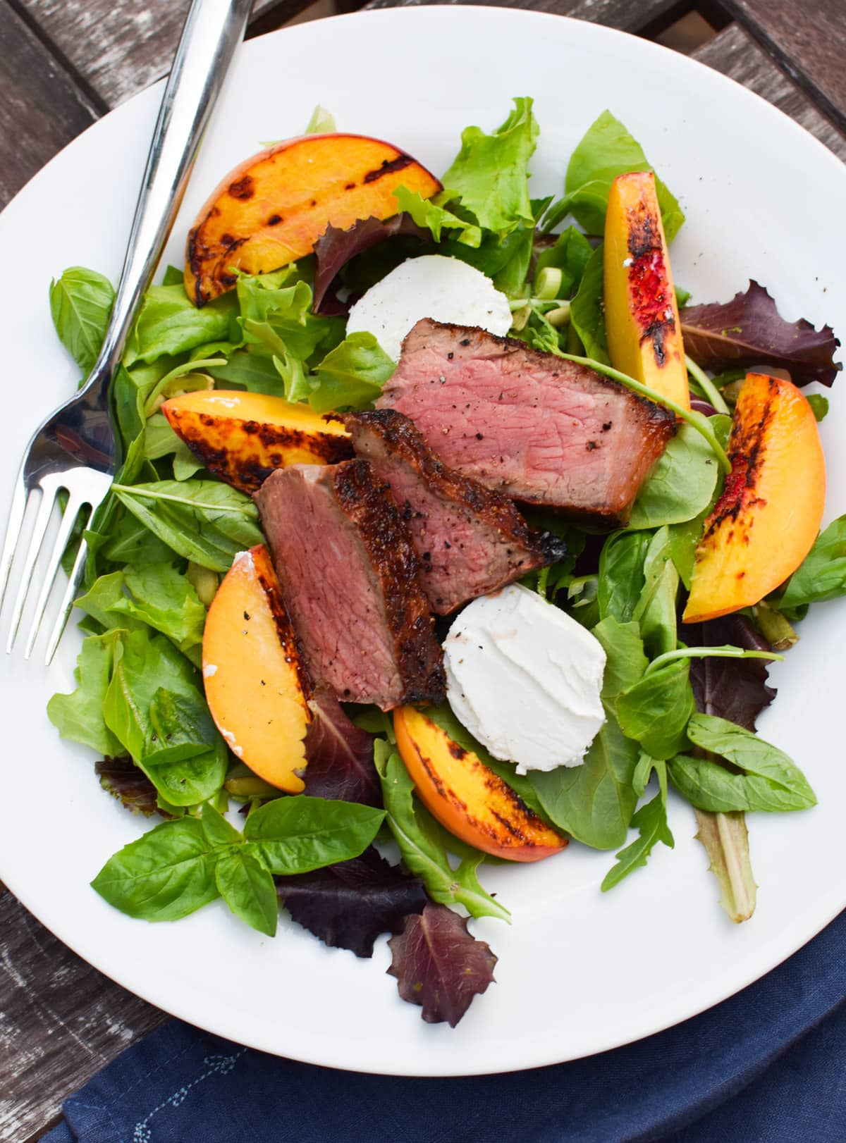 Easy Grilled Steak Salad with Fresh Peaches - The perfect end of summer salad that can be made #paleo or migraine free on the heal your headache diet
