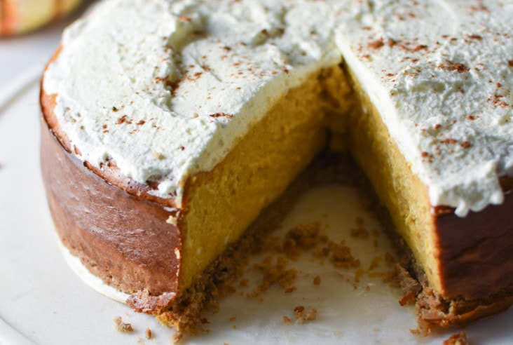 Pumpkin cheesecake with sunflower seed and oat crust is perfect for any holiday dessert! No water bath required, your family and friends will love this easy Thanksgiving recipe. #pumpkincheesecake #thanksgiving #christmas #nutfree