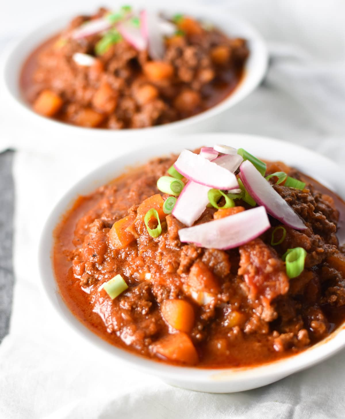 The best bean free butternut squash chili. A perfect game day recipe or weeknight meal for cold winter nights. #chili #weeknightdinner #easy #butternutsquash